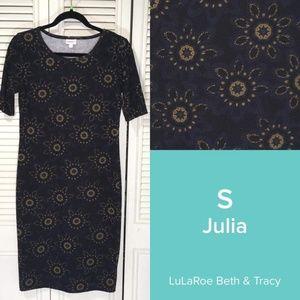NWT LulaRoe Julia, S